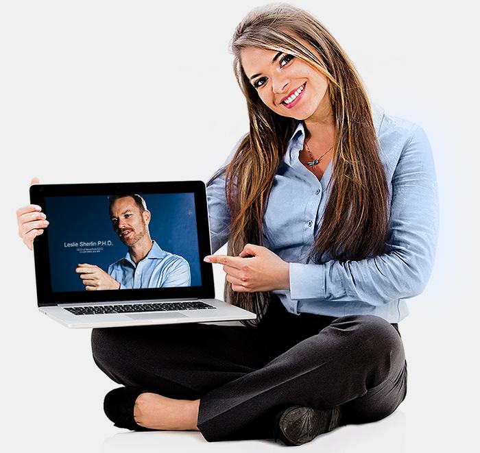 training_girl_laptopA
